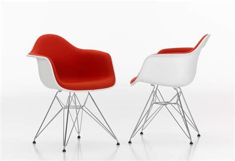 eames plastic armchair eames plastic armchair dar by vitra stylepark
