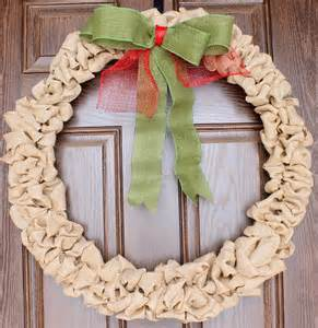 Tucker up diy burlap christmas wreath