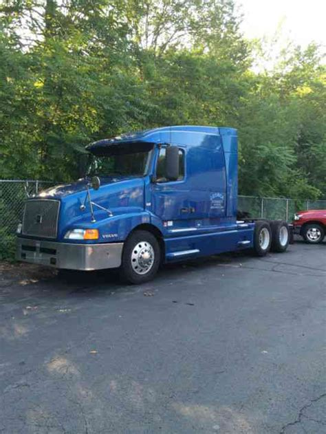 2002 volvo truck volvo vnl610 2002 sleeper semi trucks