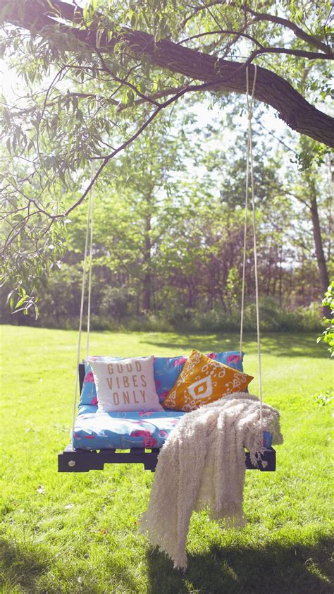 diy backyard swing pallet swing ideas the perfect summer diy