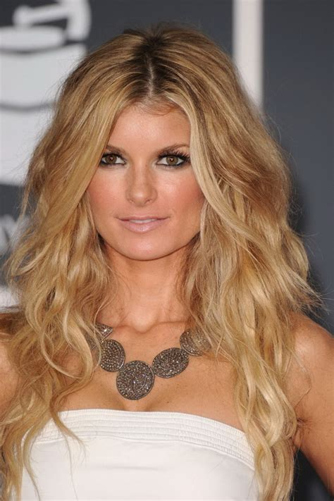 Wavy Hairstyles by Wavy Hair Sunning Wavy Hairstyles For Any Occasion