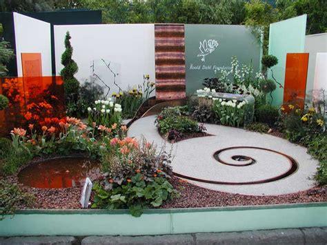The Chocolate Garden rhs chelsea flower show awards 2005 international design awards page 3