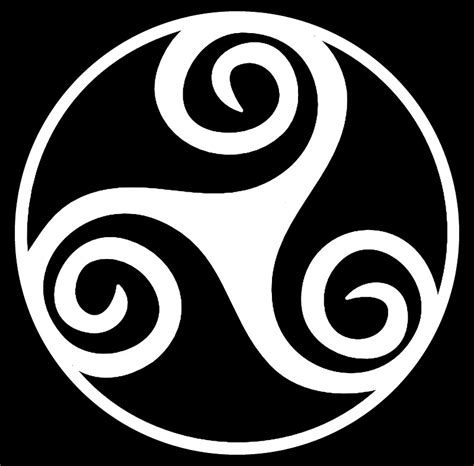 celtic triskelion tattoo www pixshark com images