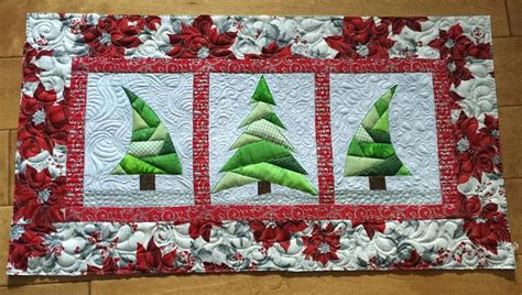 pattern for christmas tree quilt trio christmas tree quilt by debra clutter craftsy