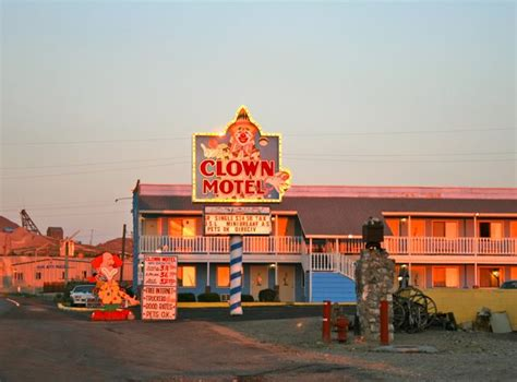 clown motel tonopah recenze tripadvisor find a it up the traveling circus