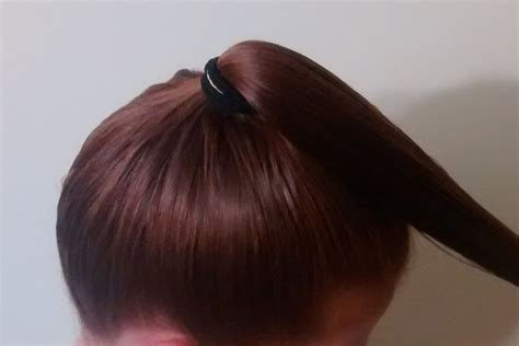 ponytail method cut hair how to cut your own hair the ponytail method creating