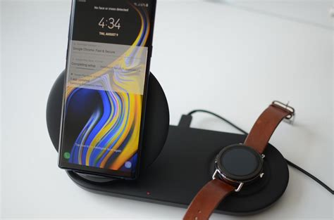 Samsung Wireless Charger Charge Your Phone And With Samsung S Wireless Charger Duo Digital Trends
