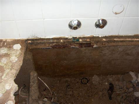 Wasser An Der Decke Was Tun by Warmwasser Kupferleitung Am Bogen Korrodiert In Wiesloch