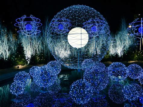 christmas decorations around the world world inside pictures