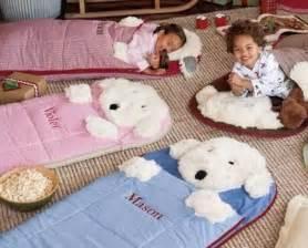 Pottery Barn Sleeping Bag 78 Ideas Sobre Almohadas Para Beb 233 S En Pinterest