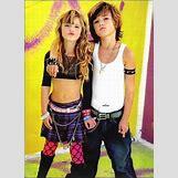 Selena Gomez And Taylor Lautner Kissing | 598 x 826 jpeg 71kB
