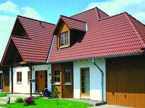 welche fassadenfarbe passt zu roten dachziegeln натуральная керамическая и цементная черепица цена
