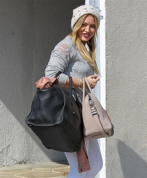 Other Designers Hilary Duff With Designer Travel Bags by How Many Designer Bags Does Hilary Duff Carry To The
