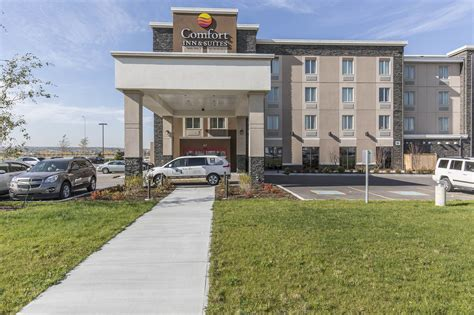 comfort inn calgary comfort inn suites airport north in calgary hotel