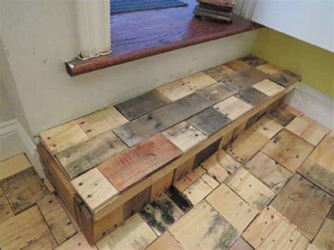 Pallet Floor Diy by Diy Recycled Pallet Wood Flooring Pallet Ideas Recycled