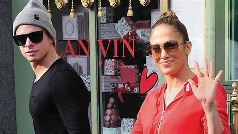 J Lo Signed A Confidentiality Agreement With Former Assistant by J Lo S Toyboy Told To Sign Confidentiality Agreement The