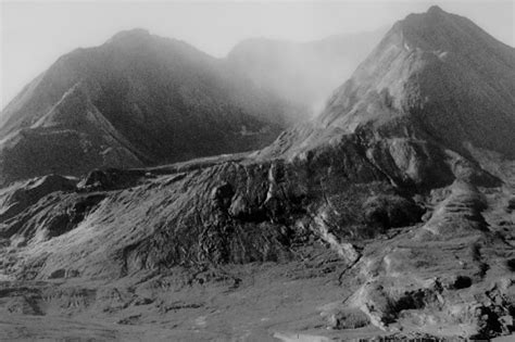 the eruption of mt st helens wandering through time and place
