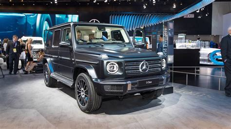 mercedes benz  class   rugged   refined
