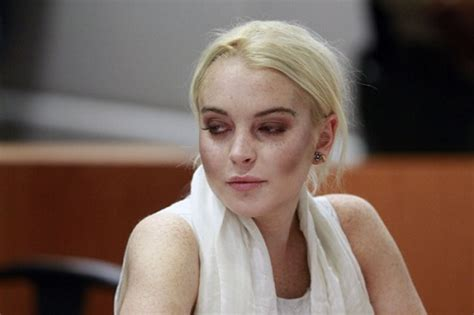 La Da Lindsay Lohan Wont Be Charged With Theft by Lindsay S Doing Today S Evil Beet Gossip