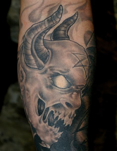 Tattoo Black And Grey Quebec | 657 best black and grey tattoos images on pinterest