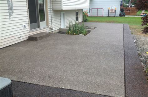 exposed aggregate patio exposed aggregate concrete real help custom concrete