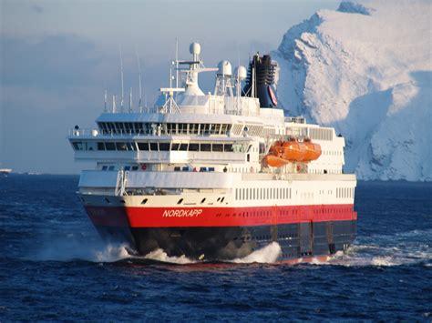 small boat norway cruise hurtigruten ships