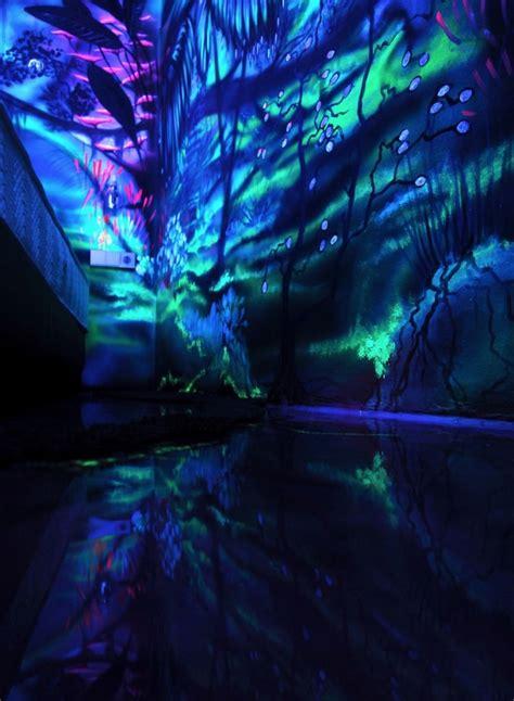 image gallery neon blue paint le d 233 cor devient f 233 233 rique lorsqu on 233 teint la lumi 232 re