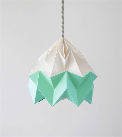 Folded Paper L - island of white les en papier vive l origami