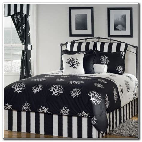 Black And White Daybed Bedding Sets Black And White Bedding Sets Size Beds Home Design Ideas Ymnglbvdro7112