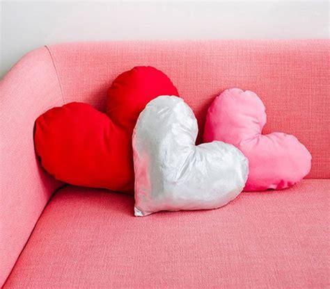 design love fest max wanger 8 easy throw pillow diys for your home