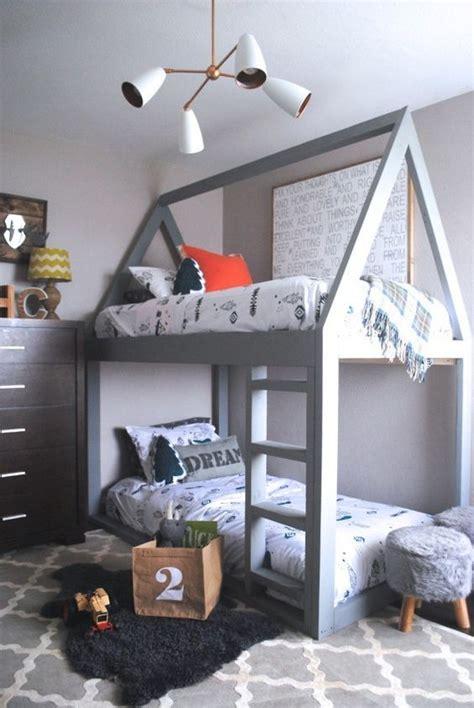 boy schlafzimmer ideen die besten 25 kinderzimmer jungen ideen auf