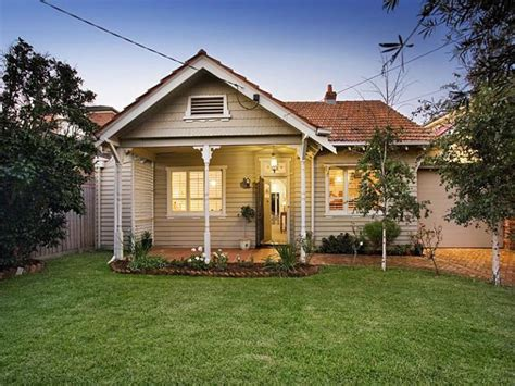 photo of a weatherboard house exterior from real australian home house facade photo 184306