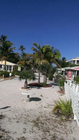 beachview cottages sanibel sun desk gulf looking bcck at cottages picture of