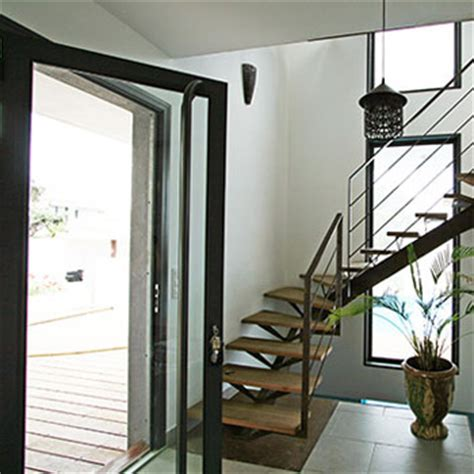 Idee Deco Entree Avec Escalier