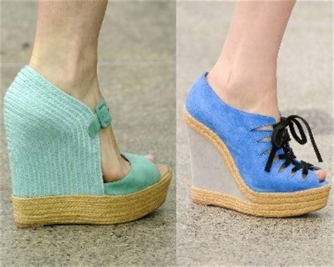 Sepatu Wedges Wanita Tali Hak Spon onlineshopsepatuwanita model wedges terbaru