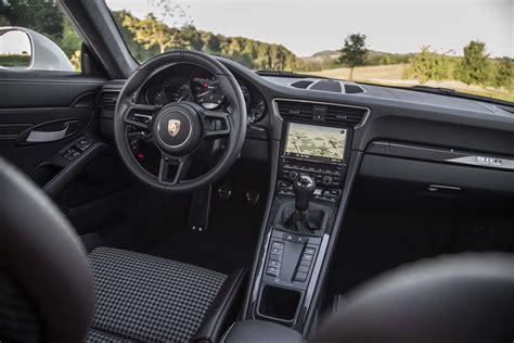 porsche 911 interni 2016 porsche 911 r drive review motor trend