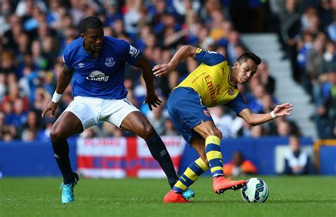 arsenal everton sylvain distin alexis sanchez photos zimbio
