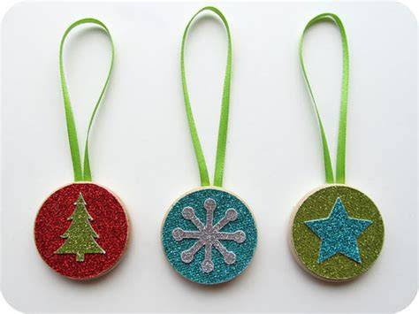 Easy Handmade Ornaments - 22 gorgeous ornament patterns tip junkie
