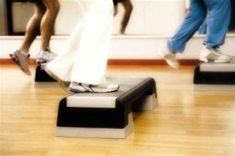 step in casa step esercizi esercizi di aerobica con lo step