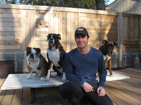 Hook 5x Strong canadian actor yannick bisson murdoch mysteries and his
