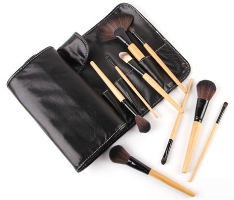 Kuas Makeup Brush Set 20 Pcs Black professional brush make up 32 set dengan pouch black