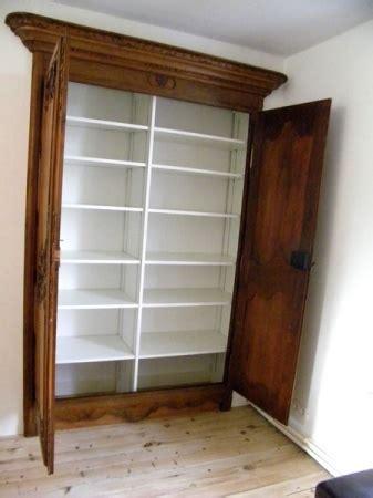 amenagement interieur armoire que faire avec 2 portes d armoire ancienne un