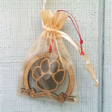 personalized pet memorial ornament in loving memory