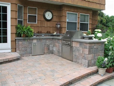Outdoor Kitchen Design by Backyard Patio With Wall Outdoor Kitchen Designers Ny