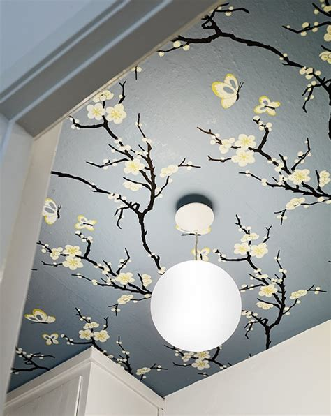 Wallpaper In Ceiling by Sofias Inredning Tapetsera I Taket