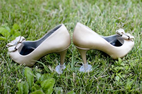 How To Stop Heels From Sinking In Grass by How To Not Aerate Your Venue S Lawn Weddingbee