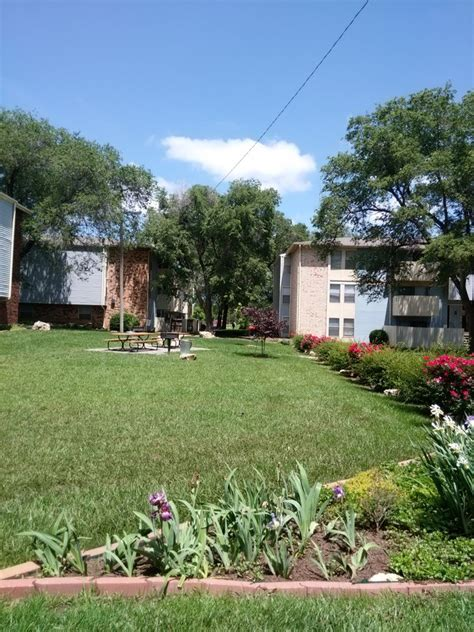 brentwood appartments brentwood apartments wichita ks apartment finder