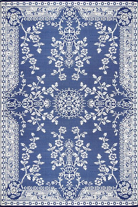 white and blue rugs blue and white rugs rugs ideas