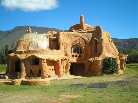 bizarre houses a yabba dabba doo house lalalalinder on the road again