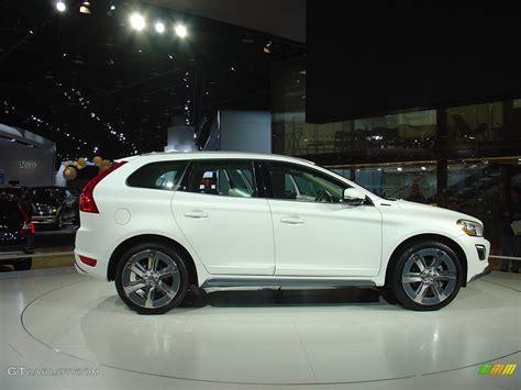 volvo xc60 white volvo xc60 in hybrid concept in a matt satin white
